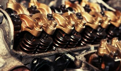Oil Change Service Helps You to Maintain the Engine of Autos and Motors Longer