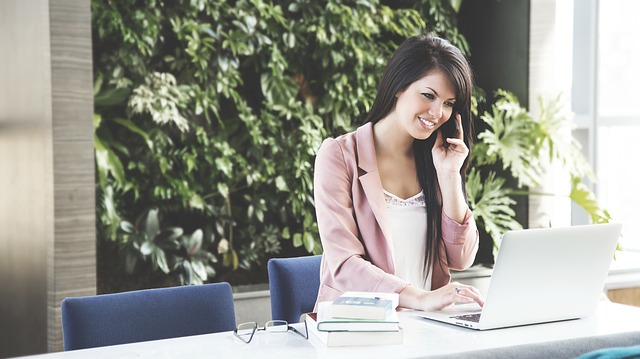 How to Choose the Small Business Phone Service Providers